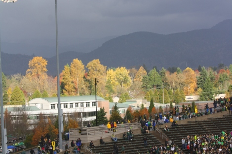 autumn surrounds Autzen